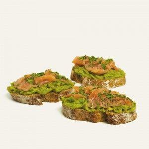 chlebíček-s-lososom-a-avokádom-nahlad