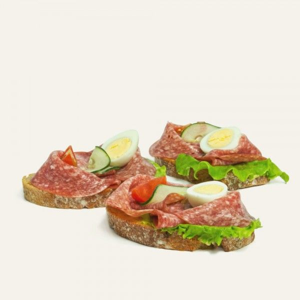 chlebíček-s-malokarpatskou-salámou-nahlad
