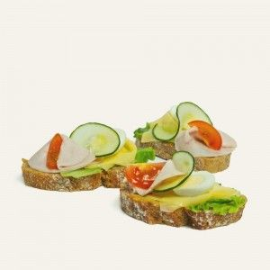 chlebíček-so-šunkou-a-syrom-nahlad